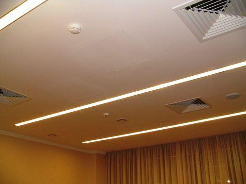 монтаж встраиваемых люминесцентных светильников