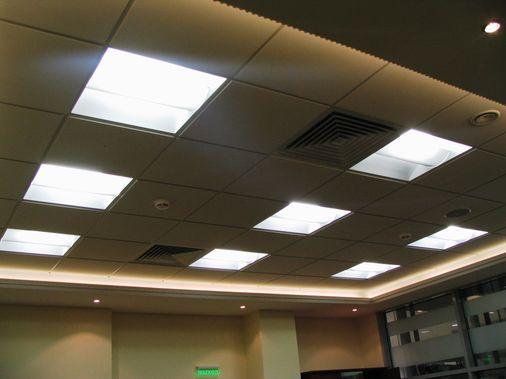 монтаж растровых светильников